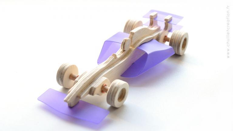 F1 v4 2000 06